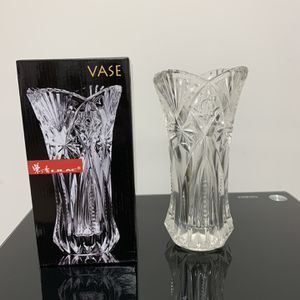 New Crystal Glass Flower Vase Phoenix Tail Shape for Sale in Duluth, GA