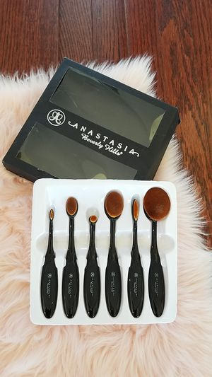 Anastasia Beverly hills professional makeup brush set for Sale in Woolwich Township, NJ
