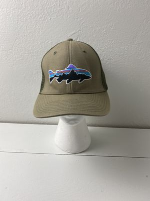 Patagonia Fitz Roy Trout Trucker Hat - Weathered Stone - Very good condition for Sale in Pittsburg, CA