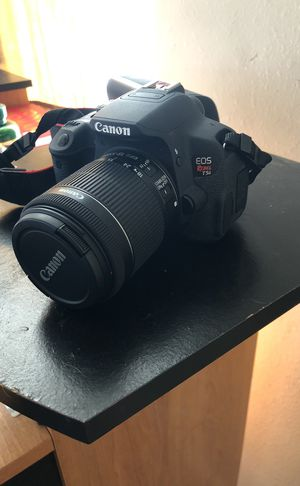 Canon touch screen t5i rebel with two lenses. for Sale in Channelview, TX