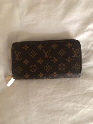 louis vuitton zippy wallet for Sale in Atlanta, GA