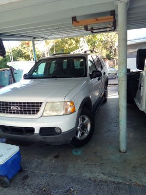 Ford explorer 03 third row seat hitch yow package v6 for Sale in Miami, FL