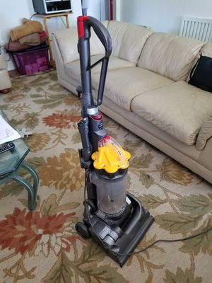 Dyson DC 33 for Sale in Fresno, CA