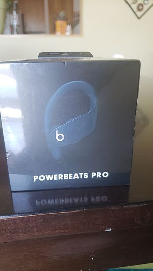 POWERBEATS PRO NAVY BLUE for Sale in Burnsville, MN