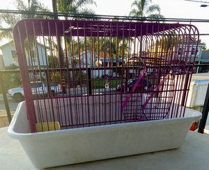 Small hamster cage 🐹 jaula pequeña hámster for Sale in Montclair, CA