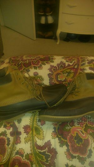 Men's size 12 Tommy hilfiger boots leather suede and rubber for Sale in Thornton, CO