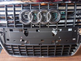 2005-2009 Audi A4 Grille Crhome Assembly OEM Used for Sale in Los Angeles,  CA