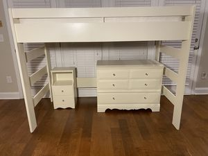 Twin Bedroom Set/Side table sold. for Sale in Simpsonville, SC
