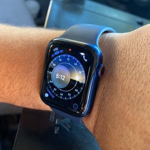 Apple Watch series 6 GPS + Cellular- 44mm for Sale in Miami, FL