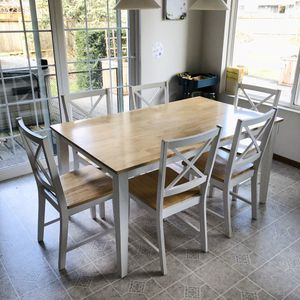 Dining Table and 6 chairs set! for Sale in John Sam Lake, WA