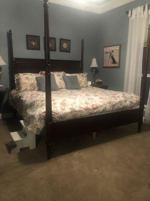 LANE FURNITURE 3 Piece King bedroom set for Sale in Slidell, LA