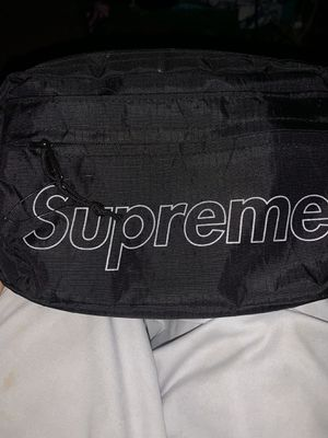 Supreme shoulder bag fw18 for Sale in Houston, TX