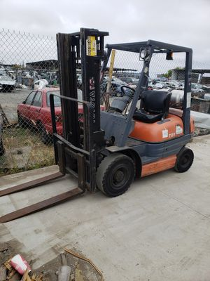 TOYOTA FORKLIFT 4000 LBS. LOW HOURS for Sale in San Diego, CA