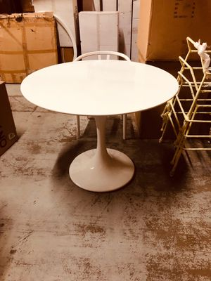 Brand new 40 inch tulip dining table for Sale in Queens, NY