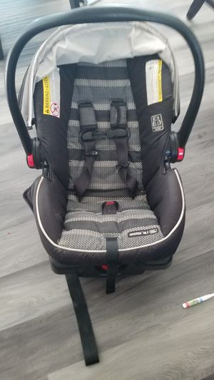 Infant car seat $40 for Sale in Acampo, CA