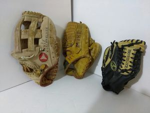 KIDS BASEBALL GLOVES. READ DETAILS for Sale in University City, MO