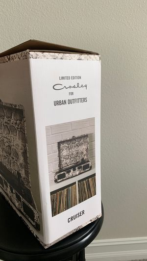 Limited edition portable record player with Bluetooth speakers, cruiser, Urban Outfitters, for Sale in Lutz, FL