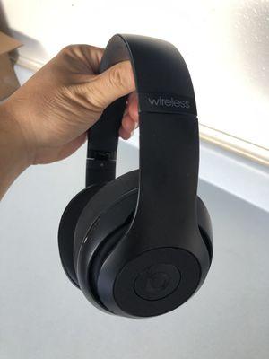 Mint condition Dre beats studio wireless headphones for Sale in Lawndale, CA