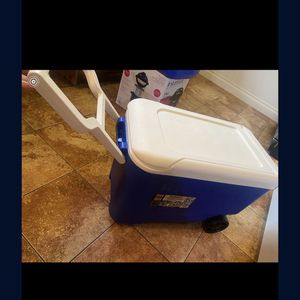 Cooler Igloo for Sale in San Diego, CA