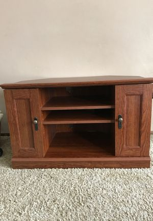 Corner TV stand for Sale in Monroeville, PA