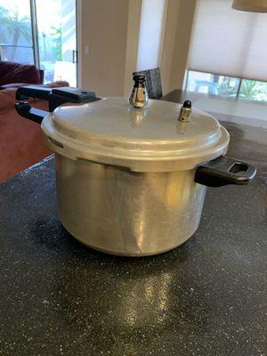 Pressure cooker for Sale in Phoenix, AZ