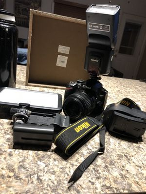 Nikon D3200 for Sale in Cleveland, OH