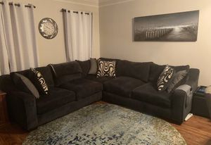 SALE. Blue Sectional couch with 6 pillows 22x22 for Sale in Woodbridge, VA