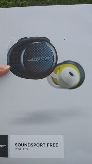 Bose wireless earbuds for Sale in Englewood, FL