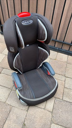 Grace- booster seat with removable back for Sale in Peoria, AZ