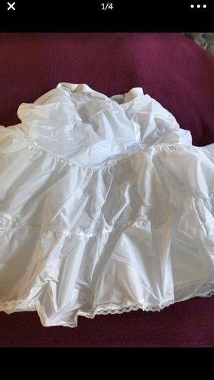 Wedding fluff for under dress for Sale in Parma, OH