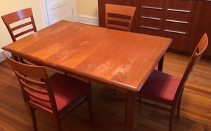 Dining room/ kitchen/ chairs/ Table for Sale in Washington, DC