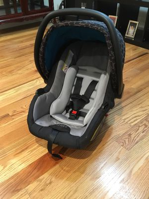 Infant Car seat for Sale in Boston, MA