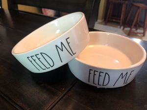 "Rae Dunn 5"" pet bowls FEED ME for Sale in Wildomar, CA"