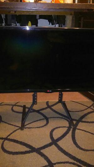 30 inch flat screen.(AL GEE..)with (AMZN FRE STK) for Sale in Pomona, CA
