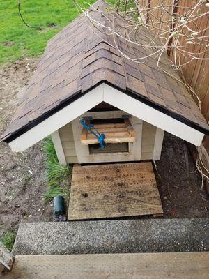 Dog house for Sale in Lake Stevens, WA