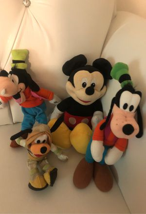 Mickey goofy and Pluto plushie set for Sale in Downey, CA