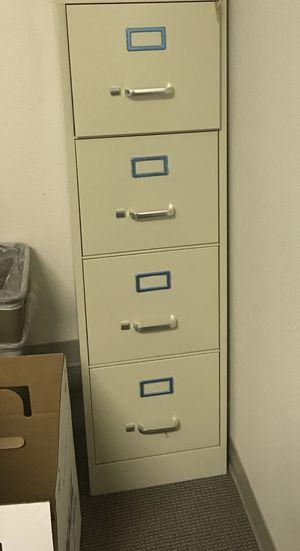 4 drawer Filing cabinet no key cannot lock for Sale in Las Vegas, NV