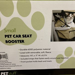 Car Seat For Animals for Sale in Middletown, RI