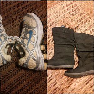 Botas y NIKE PARA MUJER TALLA 8 las botas son nuevas $10 por los dos pares for Sale in Grand Prairie, TX