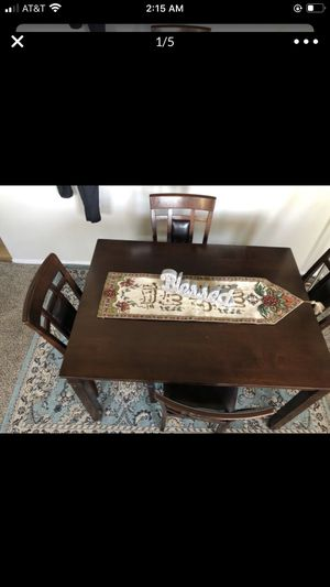 MOVING NEED GONE ASAP KITCHEN TABLE for Sale in Las Vegas, NV