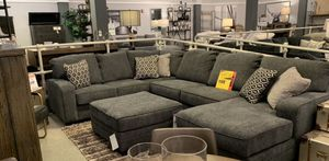 HUGE ASHLEY SECTIONAL! 3 left!! $1198!! for Sale in SeaTac, WA