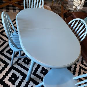 Kitchen Table And Chairs for Sale in Cary, NC