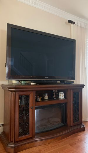 58 inch 3D Panasonic TV with Blu-ray for Sale in North Bergen, NJ