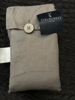 Gray fieldcrest 100% linen bed skirt for Sale in Ontario, CA