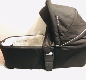 Nuna Bassinet for Sale in Phoenix, AZ