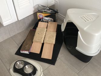 Cat Feeding/litter Box/scratching Posts LOT for Sale in Dallas,  TX