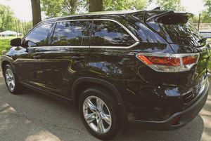 2O15 Toyota Highlander PriceFIRM$18OO for Sale in Naperville, IL