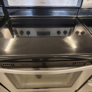 Whirlpool Electric Stove Used In Good Condition With 90day's Warranty for Sale in Washington, DC