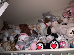 A bunch of stuffed animals , most from build a bear workshop for Sale in Las Vegas, NV