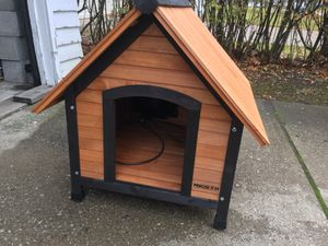 Heated dog house for small dog for Sale in Cleveland, OH